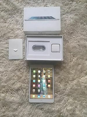 Apple iPad Mini 2 16gb Wi-Fi & Cellular (unlocked) Immaculate White with Case