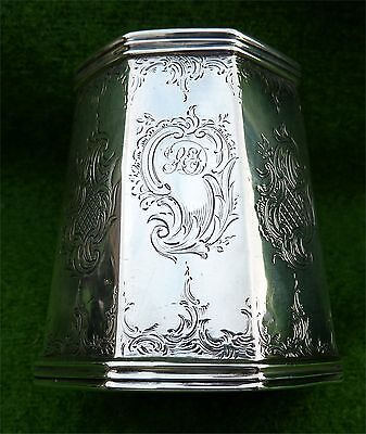 SMALL DECORATED VICTORIAN SOLID SILVER TANKARD - LONDON 1847 - OCTAGONAL 3.19oz