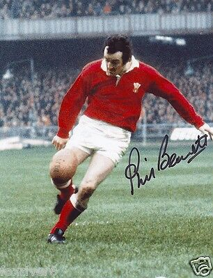 PHIL BENNETT Autographed Photograph - former Wales Rugby Union Player - Preprint