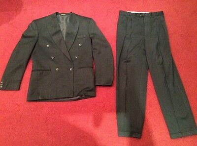 2 piece grey suit jacket & trousers from Willson 38 jacket 34 trousers