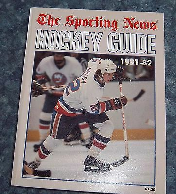 Official NHL hockey Guide 1981-82 Mike Bossy  National hockey League