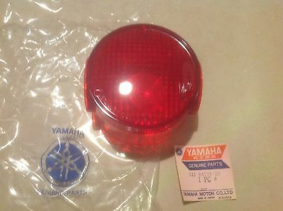 Yamaha 125 AT2 / 250 DT2 / 360 RT2, feu neuf Stanley / NOS tail light