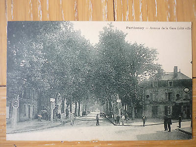 Cpa Parthenay- Avenue De La Gare ( Cote Ville )- Belle Animation-