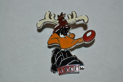 Nice Vintage Daffy Duck 1996 Metal Enamel Antlers Christmas Pin Warner Bros Rare