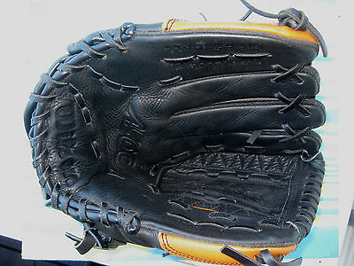 Wilson A500 Baseball Glove With 12 Inch Pattern - Worn On Right Hand