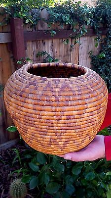 Large Early 1900's Hopi Hand Woven Grass Straw Thunder Lightning Pattern Basket