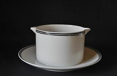 Thomas Night & Day Sauce Boat - Gravy - Fixed Under Dish