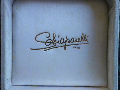 VINTAGE RETRO 60s SCHIAPARELLI /PARIS GREY VELVET BROOCH BOX