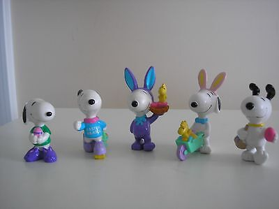 Peanuts Snoopy Easter PVC'S Lot of 5.