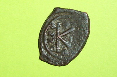 Ancient BYZANTINE COIN of JUSTINIAN I 527 AD-565 AD cross K half follis anno old