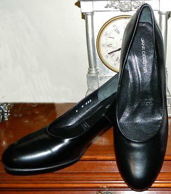 VINTAGE Jane Debster Classic Corporate Chic Leather Court Shoes Size 8