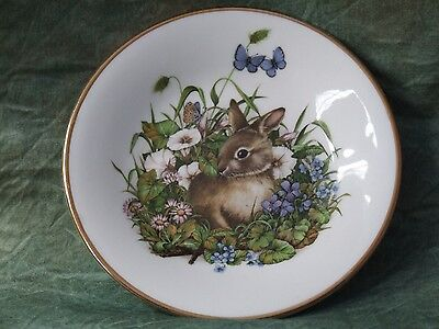 "4"" Collector Plate Depicting A Rabbit"