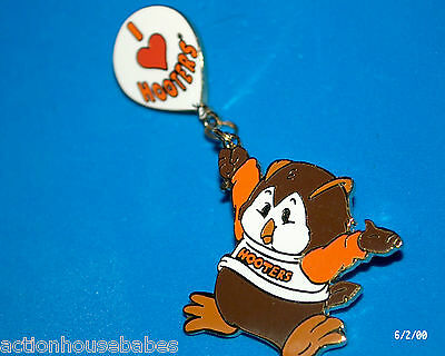 Hooters Restaurant Collectable Hootie Holding A I Love Hooters Balloon Lapel Pin