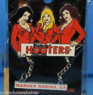 Hooters Restaurant Nascar Race/racing Special Event 3 Girls Lapel Pin (Namedrop)