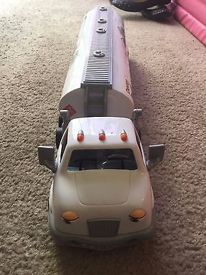 The Chevron Cars Travis Tanker Truck #38 Cab & Tanker Freight two piece set 2005