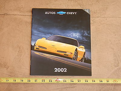 ORIGINAL 2002 CHEVROLET  AUTOMOBILE DEALER SALES BROCHURE SPANISH ED. (lot 335)