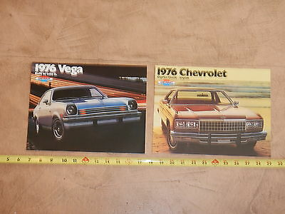 ORIGINAL 1976 LOT OF 2 CHEVROLET AUTOMOBILE DEALER SALES BROCHURE (lot 325)