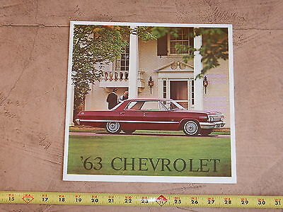 ORIGINAL 1962 CHEVROLET AUTOMOBILE DEALER SALES BROCHURE (lot 245)