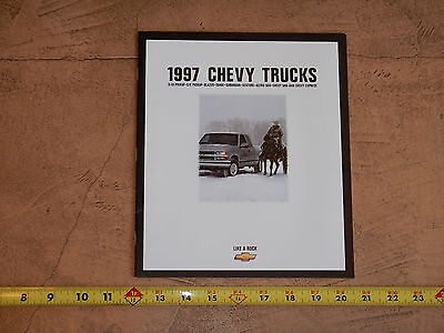 ORIGINAL 1997 CHEVROLET TRUCK AUTOMOBILE DEALER SALES BROCHURE (lot 313)