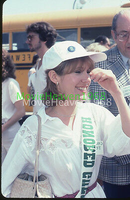 CARRIE FISHER PAUL SIMON VINTAGE 35mm SLIDE TRANSPARENCY 9210 PHOTO