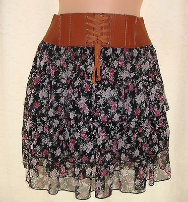 Newlook Pretty floral skirt ...AGE 14-15