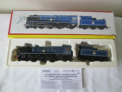 Hornby OO Gauge R2171 Merchant Navy Class 35005 Canadian Pacific BR Blue