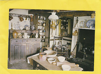 KILBARCHAN  ,    KITCHEN  ,   WEAVER'S  COTTAGE  ,  Renfrew ,  SCOTLAND ( E82  )