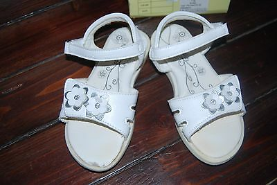 Sandales Blanches Fille T30 Nucci Tbe