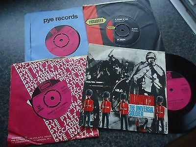 Lot Of 4  Uk Pye / Piccadilly 45S Including 1 Ep Nice Condition