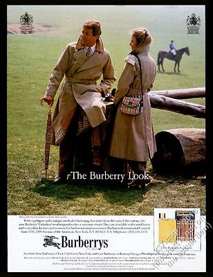 1984 Burberrys trenchcoat purse umbrella Lord Lichfield photo print ad