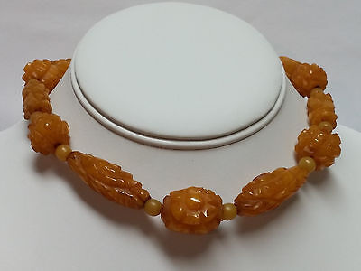 RARE! 1930s HAND CARVED authentic BUTTERSCOTCH amber BAKELITE CHOKER necklace