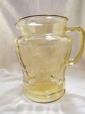 72 oz Water Beverage Pitcher Federal Glass Madrid Yellow Amber Depression