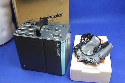 NEW BRONCOLOR Primo 4 Power Pack in the box with power cord, sync cord