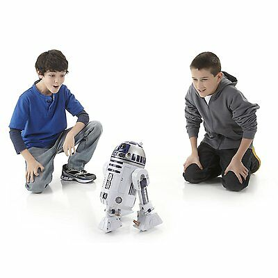 Star Wars R2-D2 Action-Packed Interactive Astromech Droid Robot prop Rare sealed
