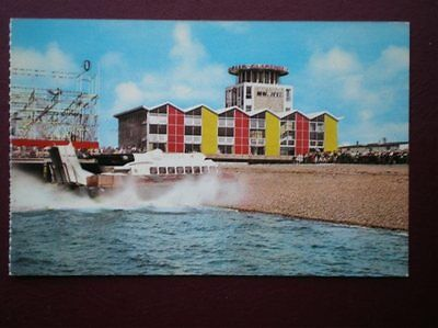 Postcard Southsea - Hovercraft & Clarence Pier