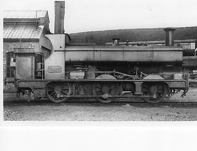 Photo GWR 0-6-0T No 2104 at Stourbridge Junction shed yard in April 1932