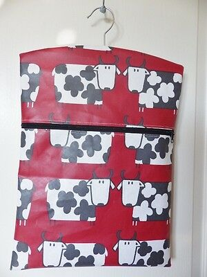 """Hand Made OILCLOTH Peg/Hanging Storage Bag Zipped 12½"""" x 16"""" FUNKY COWS (RED)"""