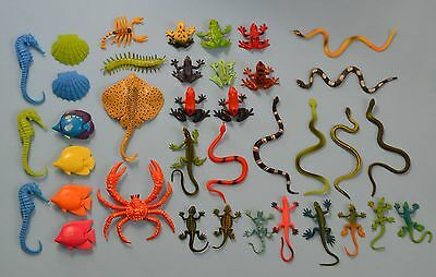 Lot of 37 Plastic Toy Animals ~ Frogs, Snakes, Lizards, Fish, Seahorses, Crab +