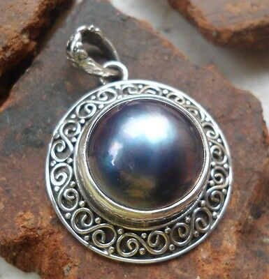 925 Sterling Silver-LH90-Balinese Handcrafted Pendant Grey Mabe Pearl