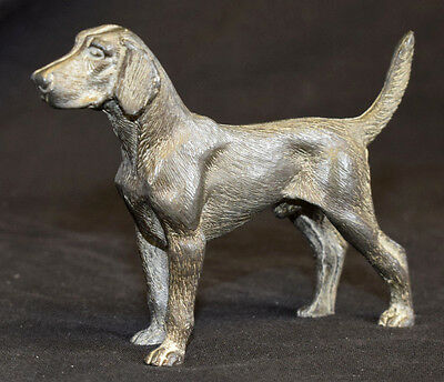 "A highly detailed pewter or diecast metal dog, 4"" long (approx)  (T1)"