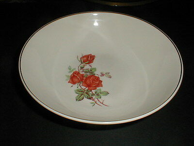 Universal Potteries Ballerina Red Rose AMERICAN BEAUTY Round Vegetable Bowl