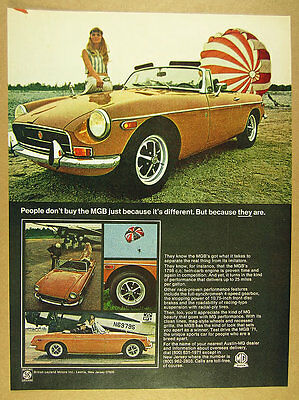 1971 MG MGB bronze-yellow car & parachute photos vintage print Ad