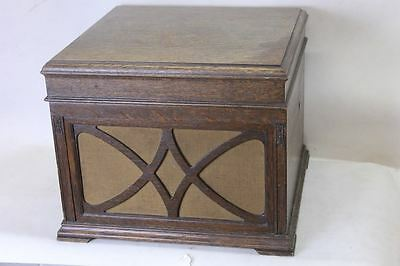 HIS MASTER'S VOICE Table Top Gramophone Solid Oak Wood Case Front Grille 1930