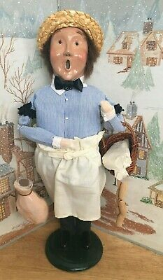 BYERS CHOICE CAROLER Butcher with Ham and Basket of Sausage 1995        *