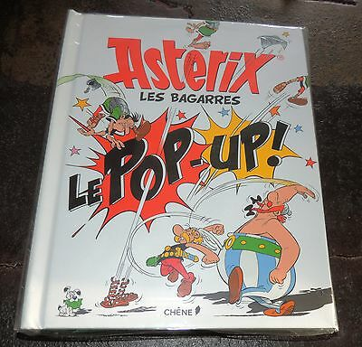 UDERZO. Asterix Les Bagarres. Chêne 2015. Album POP-UP. Images en relief. NEUF