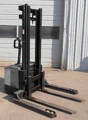 Crown Ws 2000 Walkie Pallet Stacker Forklift, Ws2000, 4000 Lbs Capacity