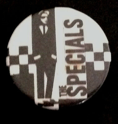 THE SPECIALS - VINTAGE 1980's ORIGINAL BUTTON PIN BADGE. TWO TONE / SKA