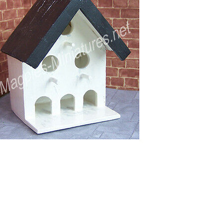 Dolls House 12th scale Wall mounted dovecote, square, painted