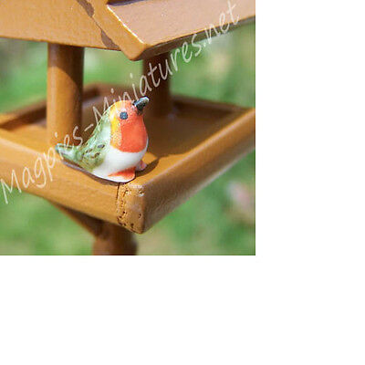Dolls House 12th scale Ceramic Robin  garden bird