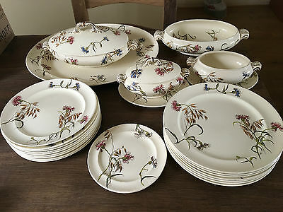 "Rare George Jones - Horace Overton Jones - ""Cornflower"" Dinner service - Various"